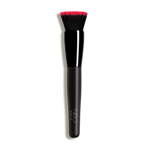 02 Flat Top Foundation Brush