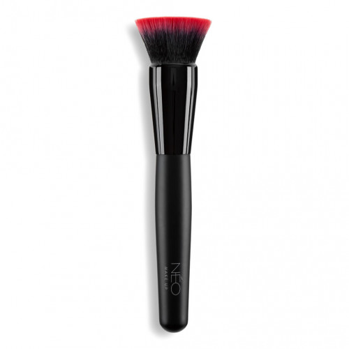 02 Flat Top Foundation Brush